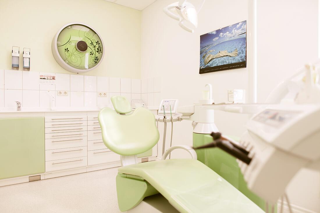 Zahnarzt Weißenfels - Keck - Praxis - Behandlungszimmer